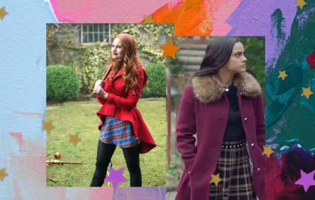 Cheryl Blossom com sobretudo vermelho, saia xadrez e botas over the knee pretas. Veronica Lodge ao lado com sobre tudo roxo, blusa preta e saia xadrez.