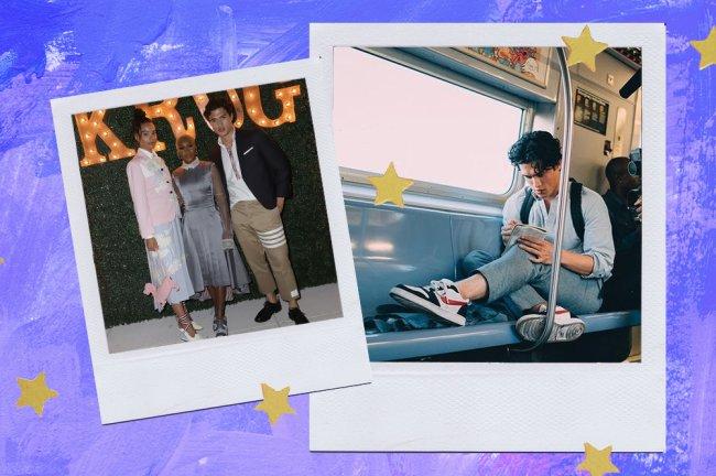 Charles Melton usando calça cigarrete; à esquerdam ele posa em um evento com um modelo bege. à direita, ele está em um vagão do metrô, sentado