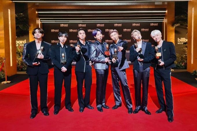BTS_Billboard (1)