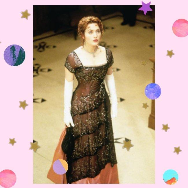 Kate Winslet como Rose, usando o vestido do jantar, com expressão preocupada.