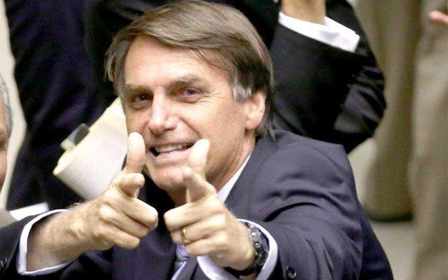 Bolsonaro diz querer paz, mas ameaça usar Forças Armadas pra conquistá-la