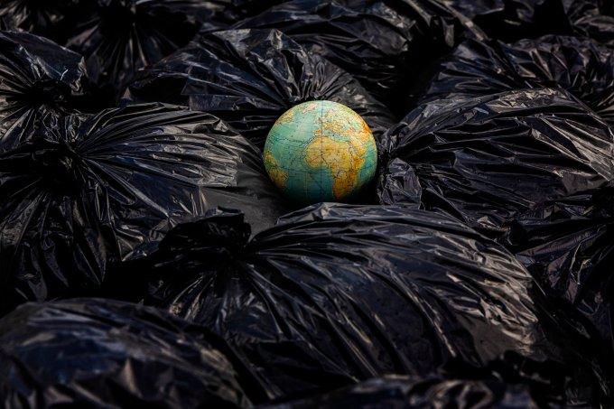 Coisas que você ainda usa, não são recicláveis e poluem o planeta por anos