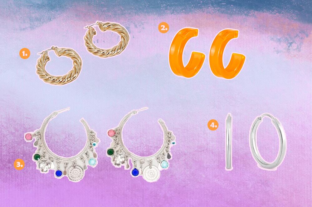 Montagem com fundo degradê de lilás, roxo e azul com quatro opções de brincos de argola. Um dourado torcidinho, um laranja neon, um prateado com penduricalhos e uma argola prata lisa.