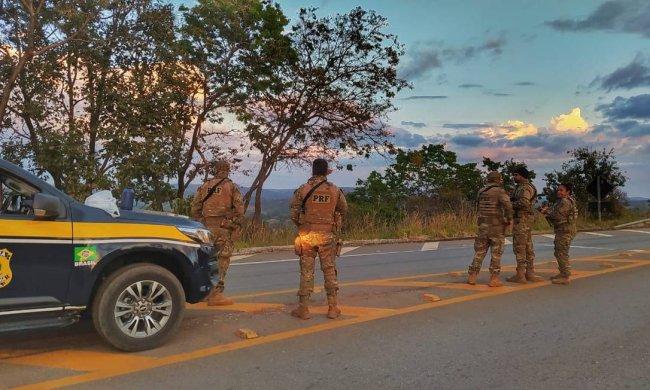 Segurança Pública de Goiás e do DF durante ação na tentativa de localizar o assassino em série