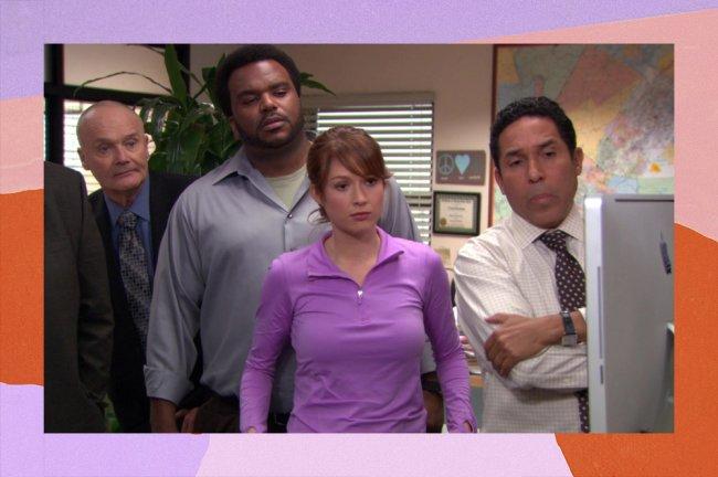 Imagem de divulgação da série The Office; personagens estão olhando incrédulos uma tela do computador