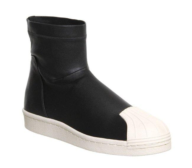Foto do tênis Adidas x Rick Owens Superstar Ankle Boot em um fundo branco.