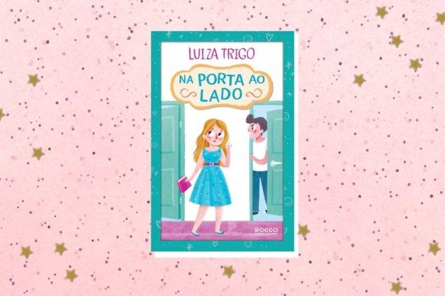 Montagem com a capa do livro Na porta ao lado em fundo rosa com bolinhas.
