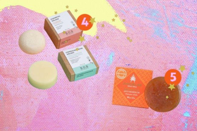 Montagem com a imagem de três produtos sólidos para cabelo. O fundo é um mix das cores rosa, amarelo e azul, com detalhes de estrelas douradas.