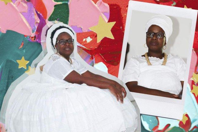 Foto de uma mulher negra vestida toda de branco, seguidora do condomblé