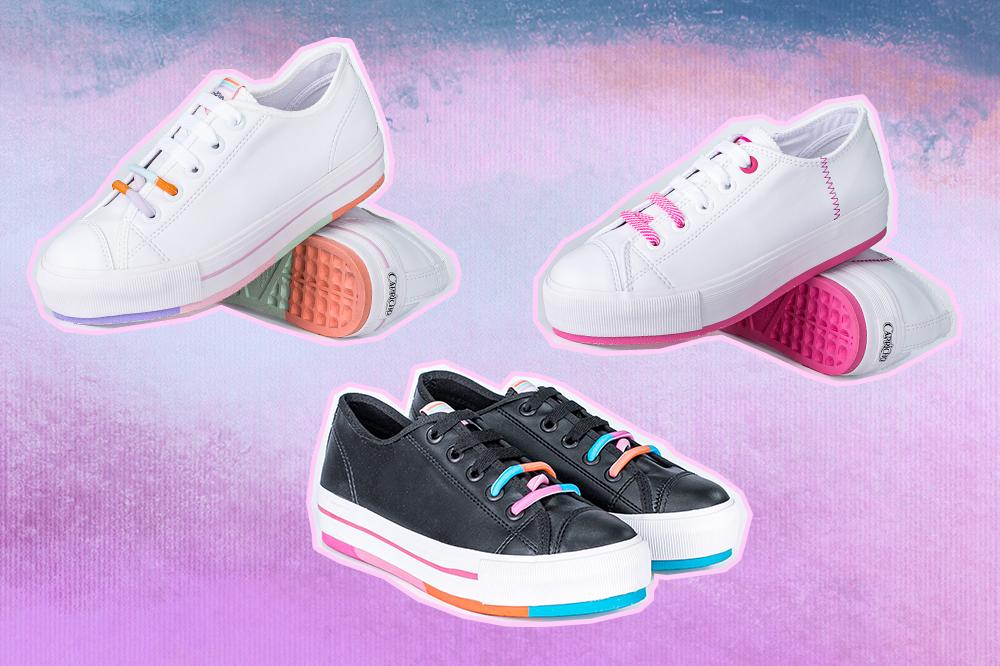 Montagem com três tênis da coleção da CAPRICHO Shoes. Um branco com sola em tons pastel, um branco com sola rosa e um preto com sola colorida. O fundo é em tons de lilás e azul.