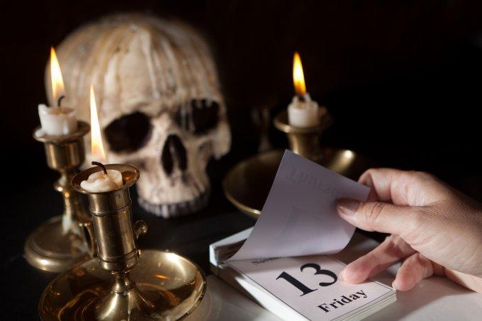 Sexta-feira 13: origem, mitos, numerologia e previsões pra data em agosto