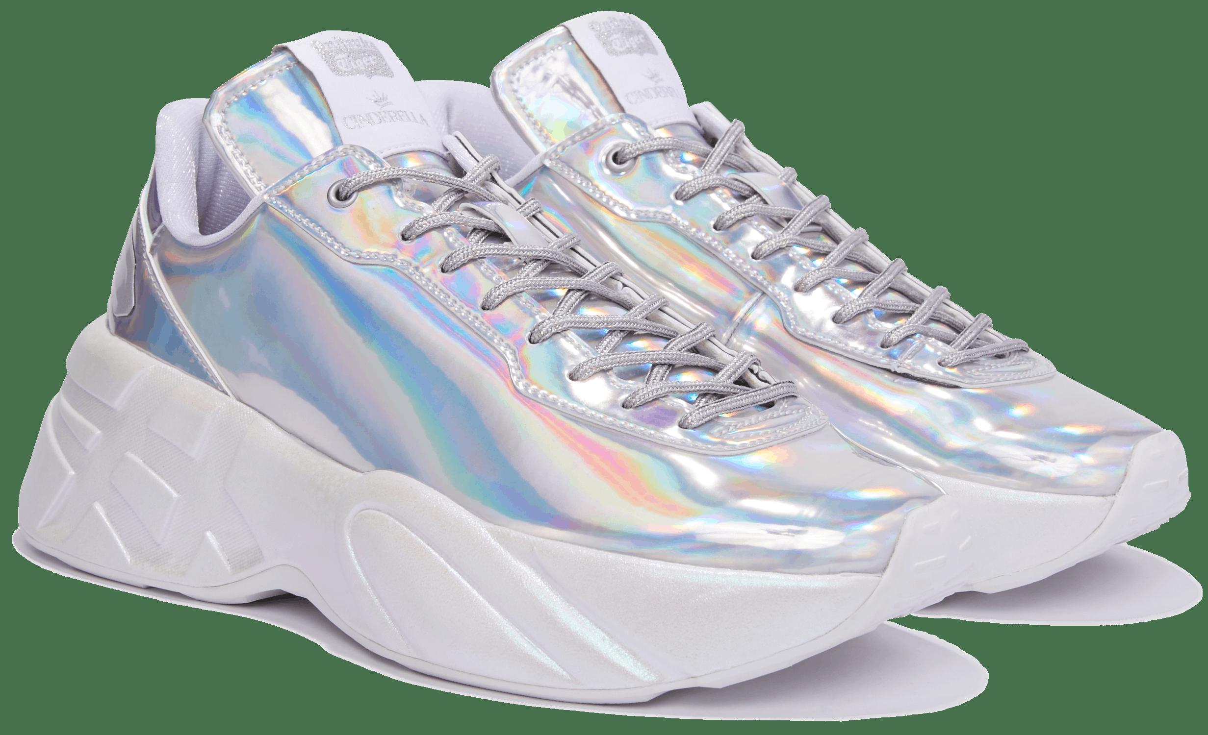 Tênis Tênis da Onitsuka Tiger inspirado no filme Cinderella. Ele possui cabedal holográfico e sola chunky branca.