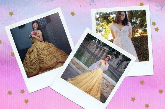 Montagem com degrade rosa e estrelinhas douradas de fundo, com fotos polaroids espalhadas de uma jovem sorridente usando suas criações.