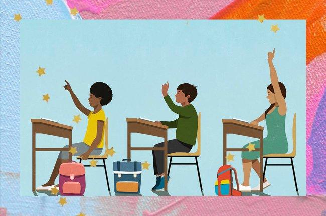 Ilustração de três alunos sentados em carteiras escolares, com fundo azul