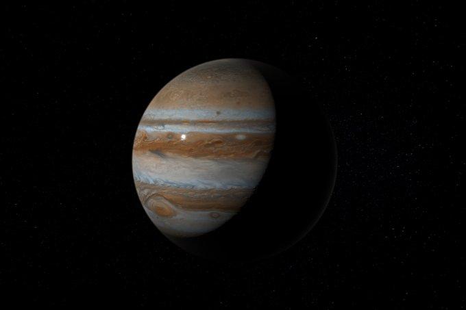 Brasileiro capta momento exato em que asteroide se choca com Júpiter