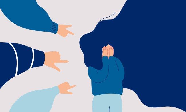 Ilustração de uma garota com as mãos no rosto, assustada, com vários dedos indicadores apontados para ela