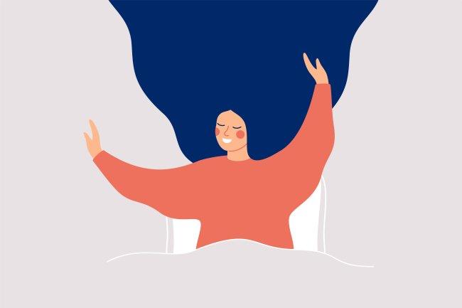 Ilustração de uma mulher feliz, sorrindo e com os braços pra cima, ao acabar de acordar, mas ainda na cama