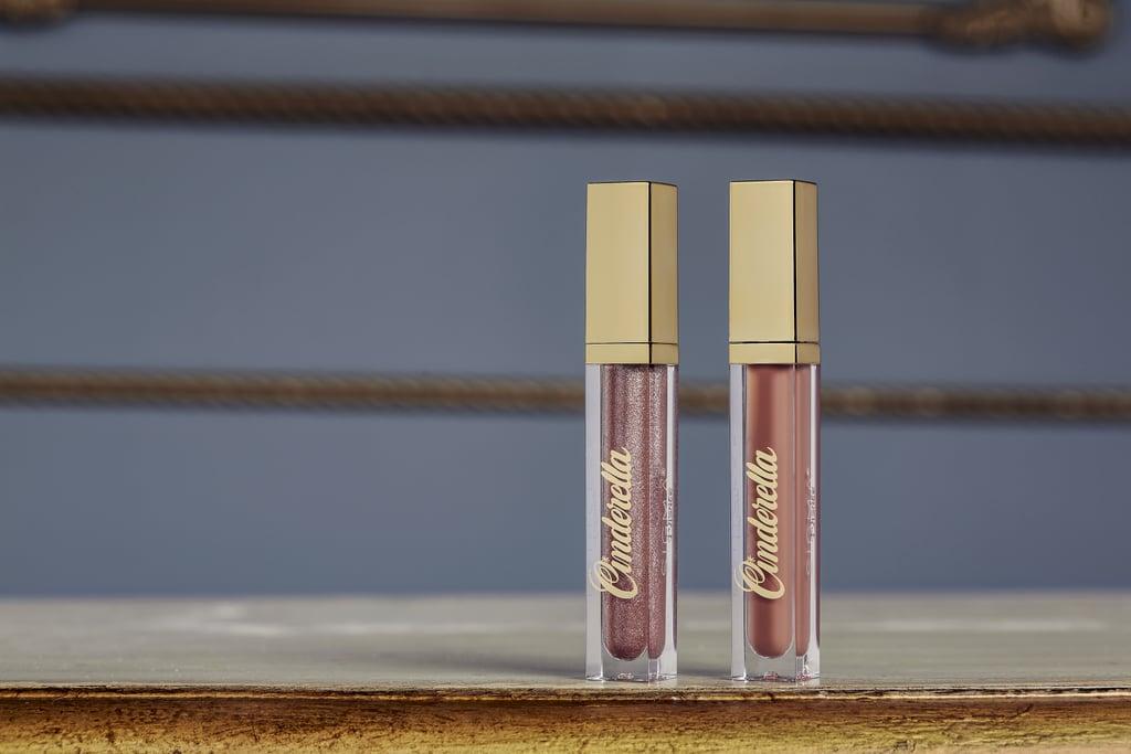 Dois batons líquidos da coleção de maquiagem inspirada na Cinderela da Sigma Beauty