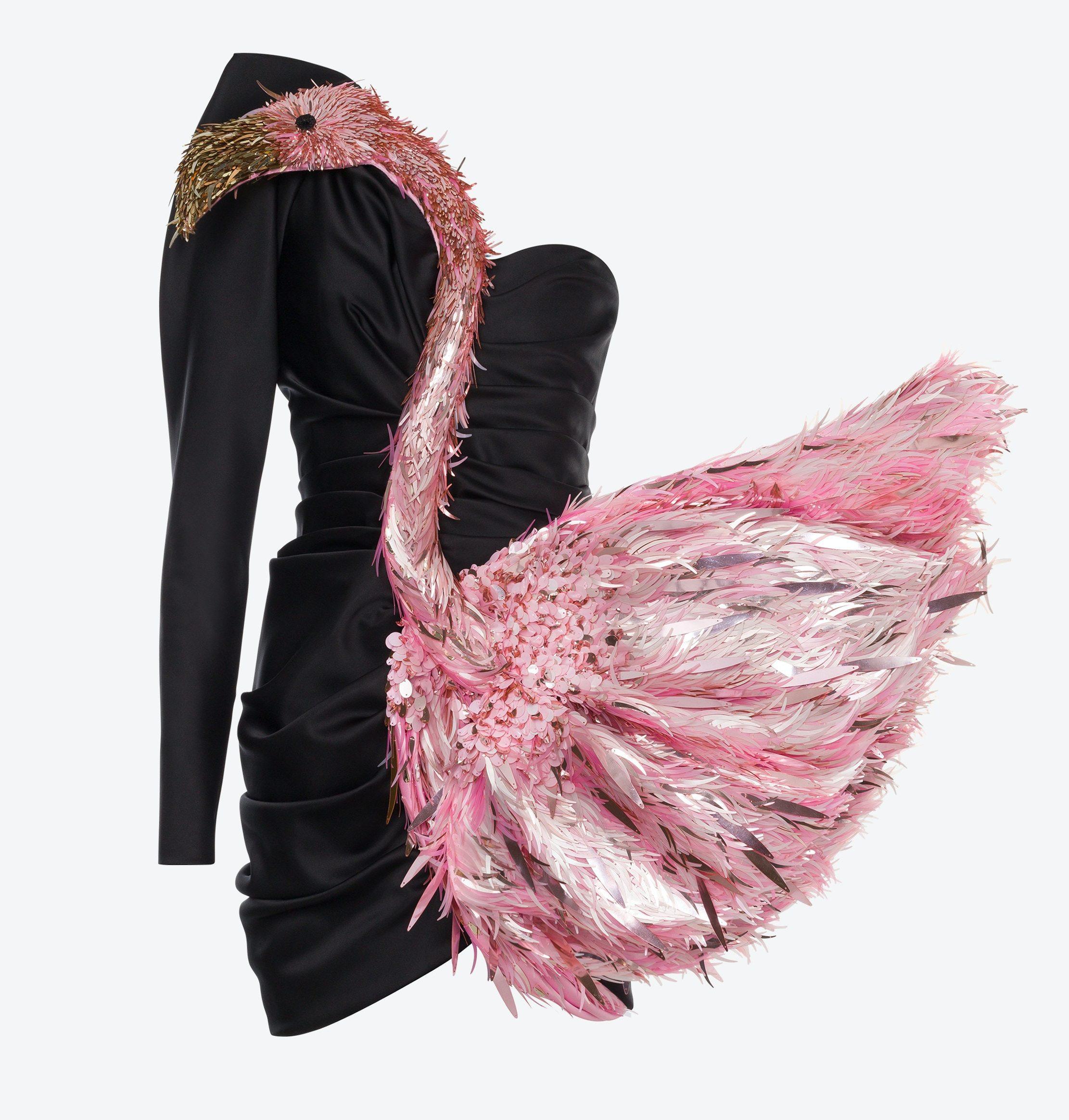 Vestido preto de um ombro só com flamingo aplicado da Moschino