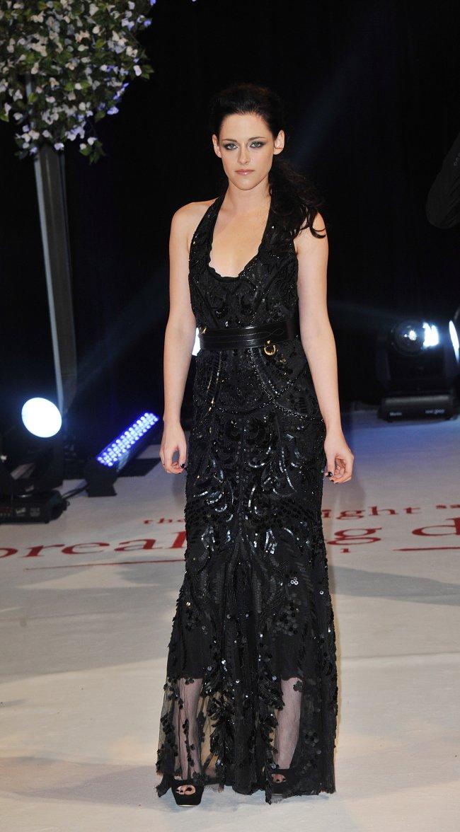 Kristen Stewart no lançamento de Amanhecer parte 1 no Reino Unido