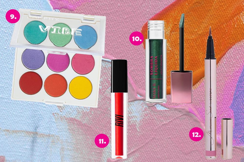 Montagem com quatro produtos de maquiagem em fundo colorido azul, rosa e laranja. Uma paleta de sombras, uma sombra líquida verde, um gloss vermelho e um delineador rosa.