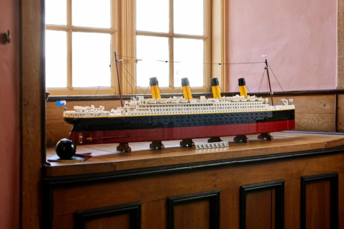 Réplica em Lego do Titanic tem mais de 9 mil peças e detalhes assustadores