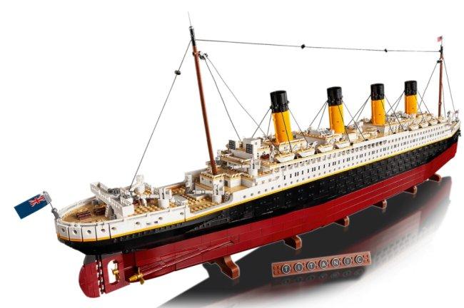 Imagem de divulgação de réplica de Titanic feita de Lego